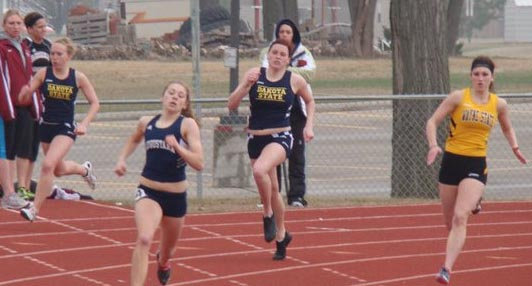 DSU Track Secures Medals at Sioux City Relays