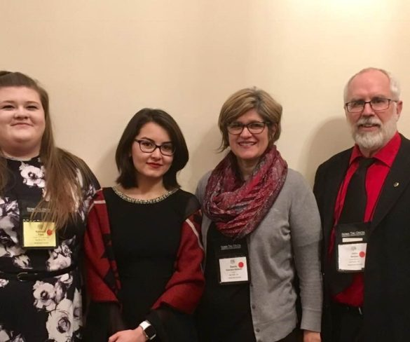 Sigma Tau Delta Members Present at Cincinnati Conference